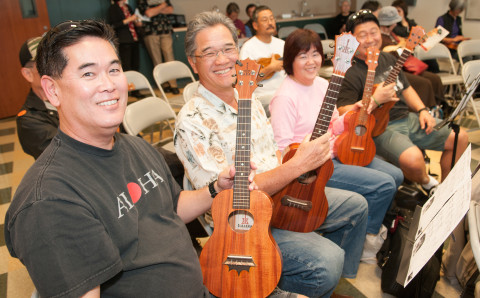 JANM guests bring their own ukeleles for free classes taught by KoAloha Ukele artists and artist partners. Photo by M Palma.