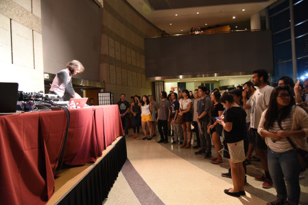 A rapt crowd gathers to watch electronic musician Daedalus. Photo by Nobuyuki Okada.